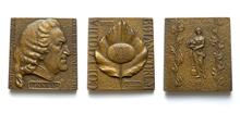 Линней Карл (1707-1778) (2 разных оборота) - 55*55 мм бронза